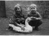 004d-1935-1936-Kinder-von-Georg-Ludwig-mit-Gans