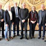 Landrat Stefan Dallinger gratuliert Mitarbeitenden zu ihren Dienstjubiläen