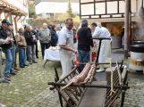 Tradition hautnah im Heimattagejahr– Historisches Schlachtfest im Lerchennest
