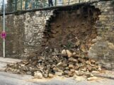 Sinsheim: Mauer eingestürzt – B39 voll gesperrt